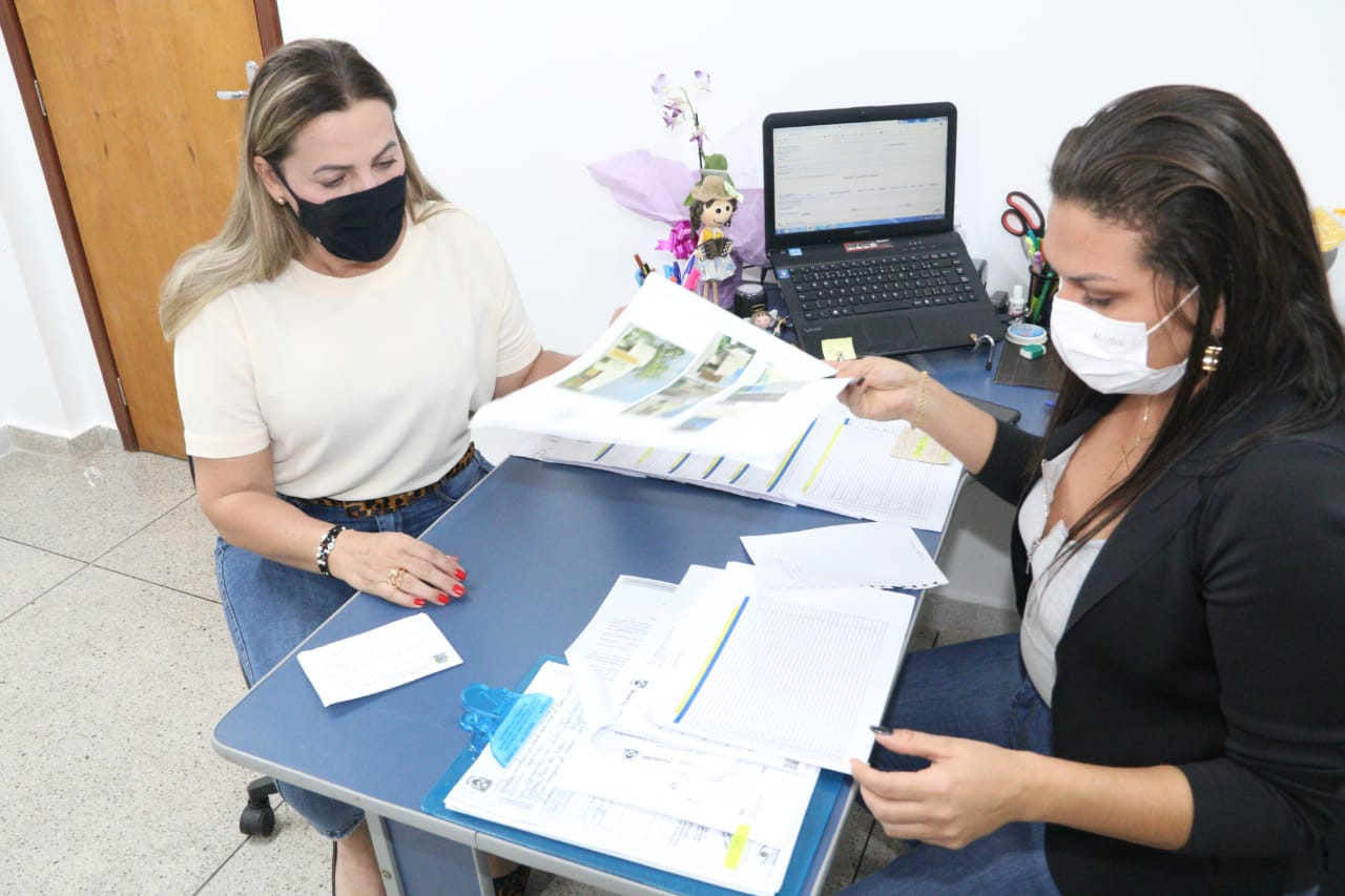 Dulce Miranda visita obras do Hospital de Augustinópolis onde destinou repasse de quase R$10 milhões