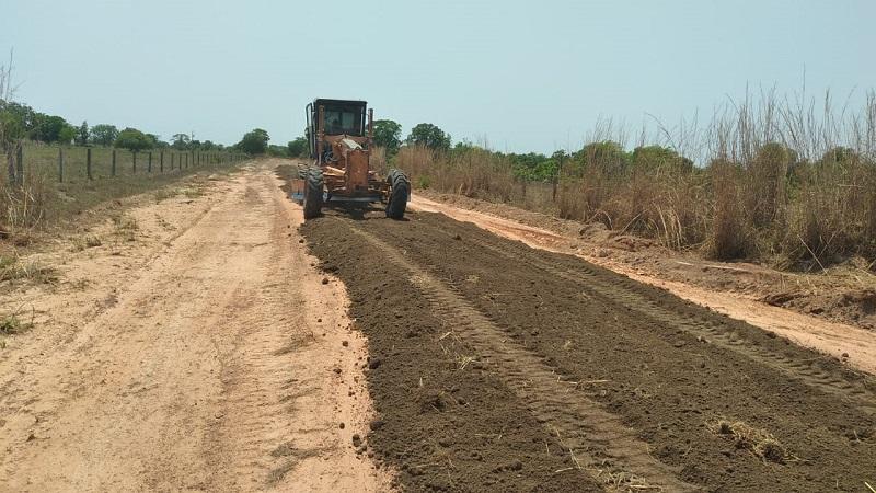Prefeitura de Caseara recupera estrada vicinal que dá acesso ao P.A Onalício Barros