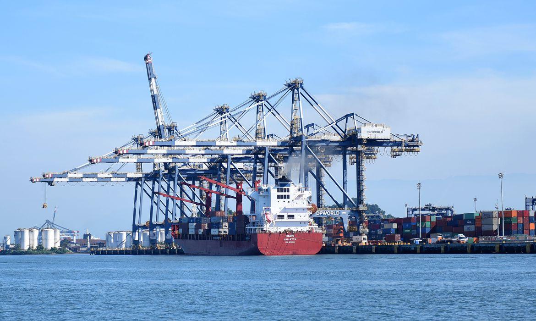Consulta para privatizar Porto de Santos sai neste ano, diz ministro