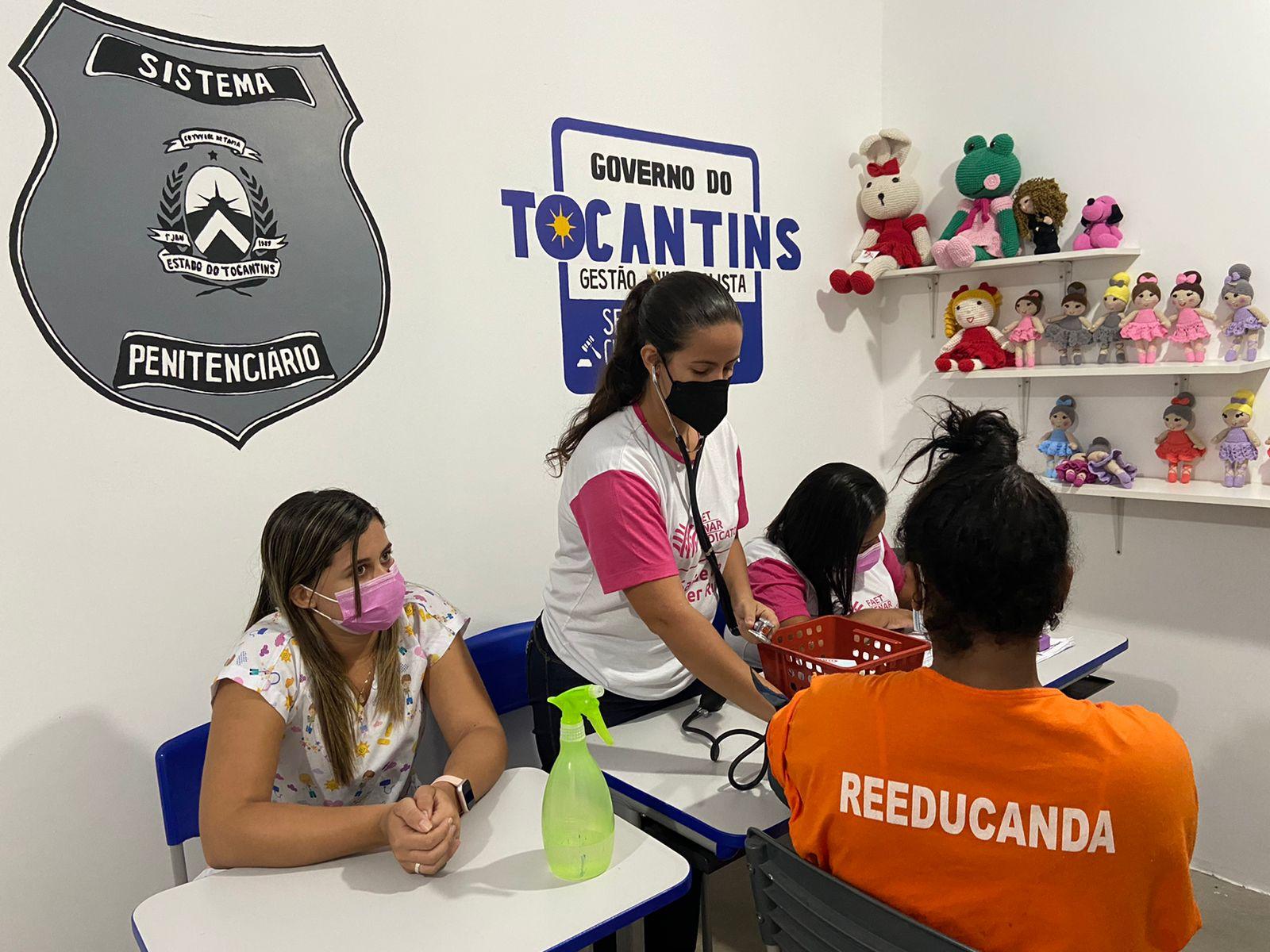 Custodiadas da Unidade Penal Feminina de Miranorte participam de ação voltada à prevenção dos cânceres de mama e colo de útero