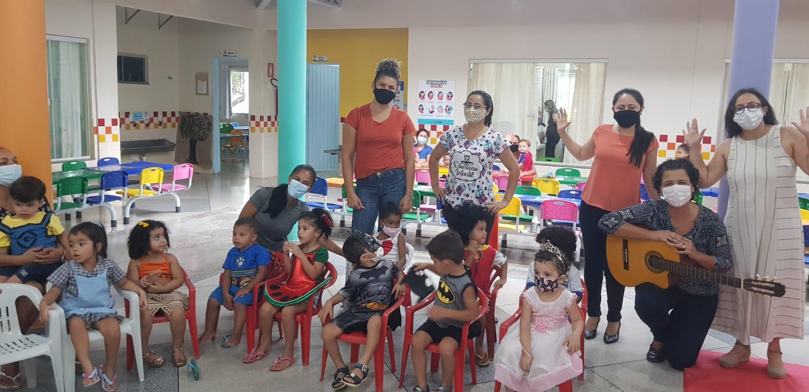 Crianças de Cmei de Palmas prestigiam apresentação cultural com resgate de cantigas de roda
