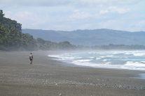 Sur la plage immense du Corcovado, Costa Rica