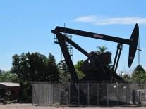 Des puits de pétrole au milieu du village, oui tout est possible!