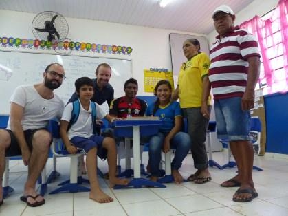 Aula de ingles e francês na escola comunitaria de Miguel e eu