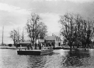Ferry House 02