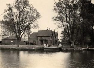 Ferry House 04