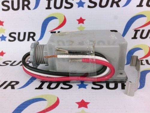 small resolution of area lighting research alr pt 15 photoelectric switch pt15 120v ac