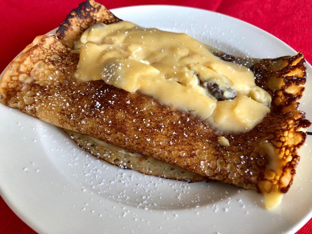 pancakes with vanilla cream