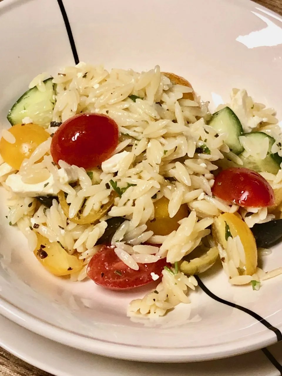 easy vegetarian Greek pasta salad