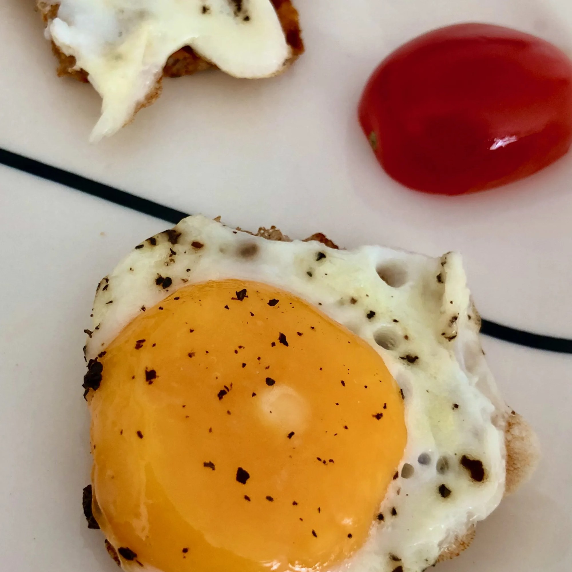 mini fried eggs