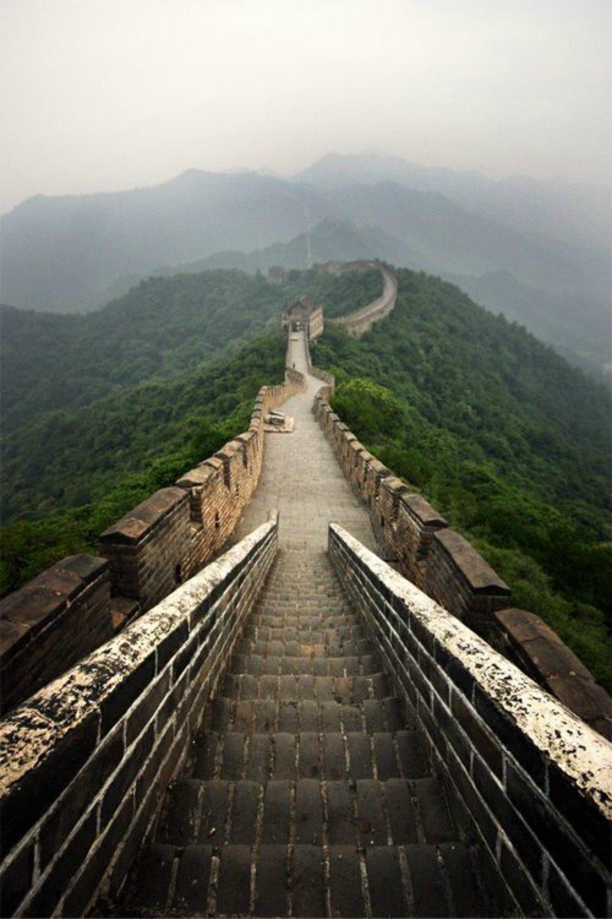 surprisinglives.net/great-wall-china-photo/