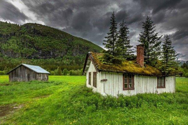 surprisinglives.net/house-of-fairy-tales/