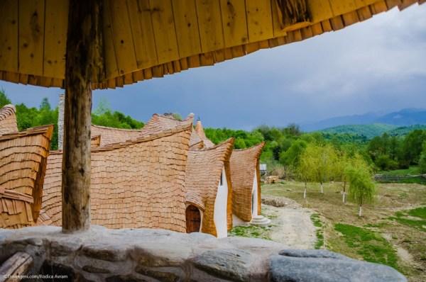 Castelul de lut Valea Zanelor Porumbacu de Sus 7