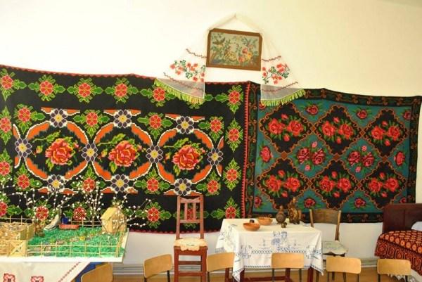 """""""Odaia bunicii"""" – Centrul folcloric Grădiniţa (muzeu de etnografie, Galicea Mare, judetul Dolj)"""
