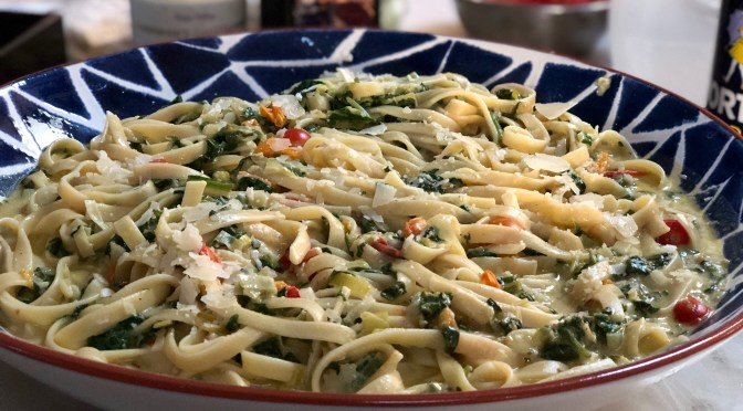 Creamy Goat Cheese Pasta with Spinach and Leeks