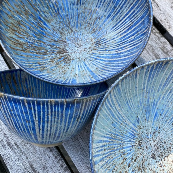 https://i0.wp.com/surreyopenstudios.org.uk/wp-content/uploads/2021/01/stripe-blue-bowls.jpg?resize=600%2C600&ssl=1