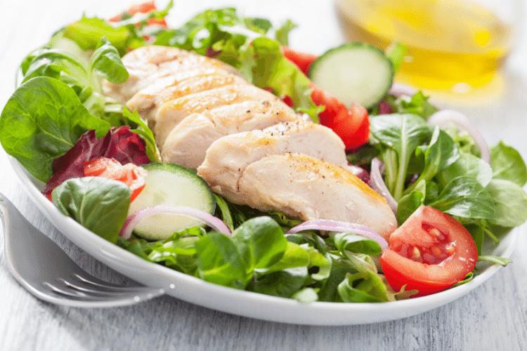 ensalada de pollo, pollo con verduras, pollo light, pollo con vinagreta,
