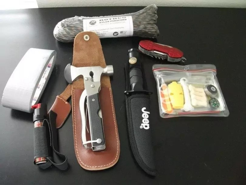 Small Fixed Blade Survival Knife