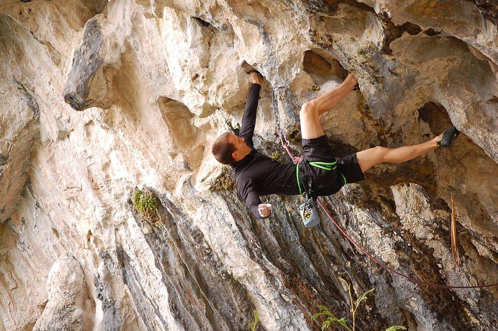 Overhanging_rock_climbing