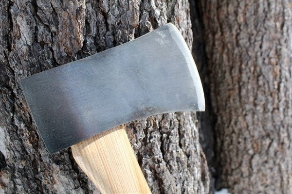 best-survival-axe-steel-blade
