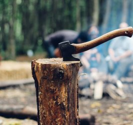 best-survival-hatchet-for-camping