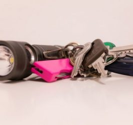 best-keychain-flashlights-for-edc