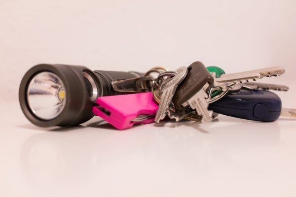 best-keychain-flashlights-for-edc