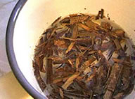 Preparing medicinal herbs decoction