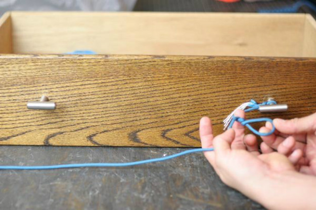Twist the Loop Three to Four Times | Paracord Knots and Hitches | How To Make Paracord Hitches