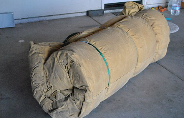 Roll camping sleeping bag   Cowboy Bed Roll Instructions For Comfortable Camping