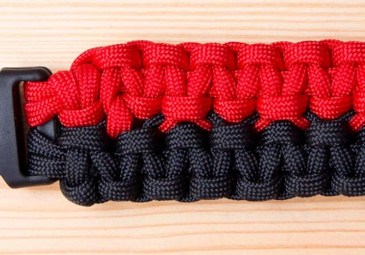 How to Make a Double-Wide Cobra Paracord Bracelet