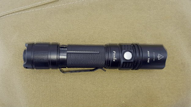 10 Must-Have Items For Your Airport Go-Bag | For The Prepared Traveler flashlight