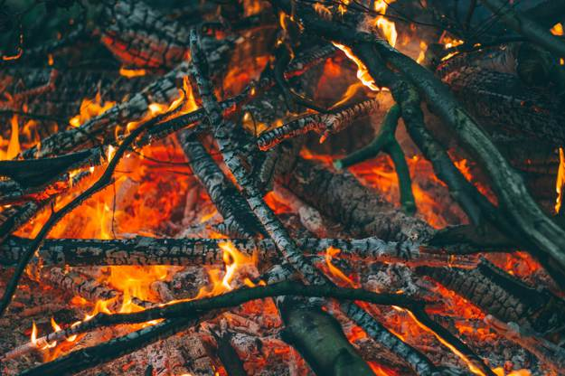 Start Your Fire | How To Start A Fire In Wet Conditions