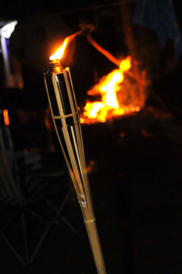camp-fire-flame-bamboo-torch-burning camping