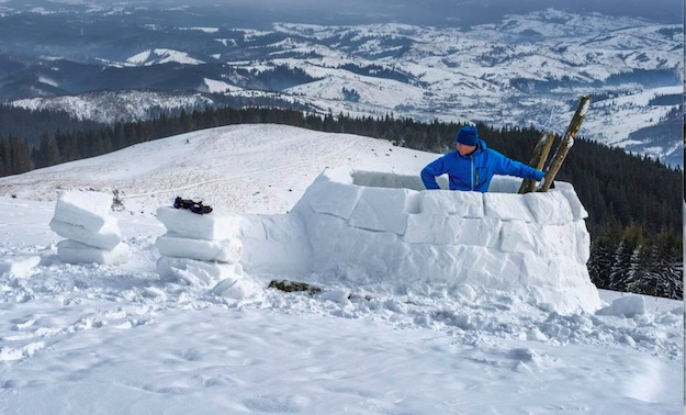 Building Rows of Snow   How To Build An Igloo in 5 Easy Steps