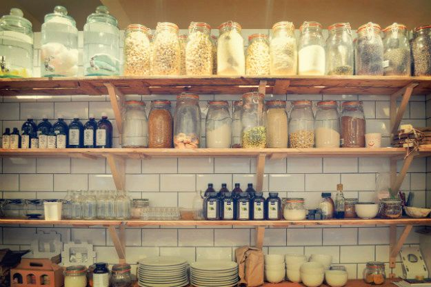 The Faux Wall | 20 Clever Food Storage Tricks