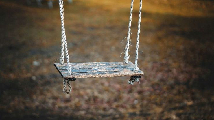 Children wooden swing | Uses for Paracord That Will Surprise You