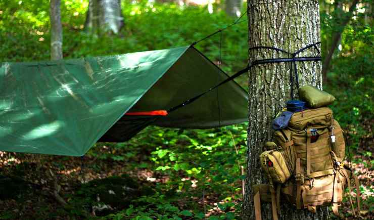"Bushcraft tarp shelter | ""Quick Up"" Survival Shelters You Can Build With A Tarp"