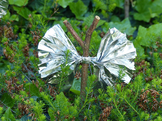 Signal for Help | Uncommon Aluminum Foil Survival Uses