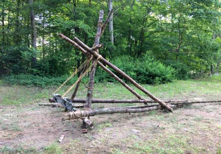 trebuchet made wooden spars spare metal | how to make homemade weapon