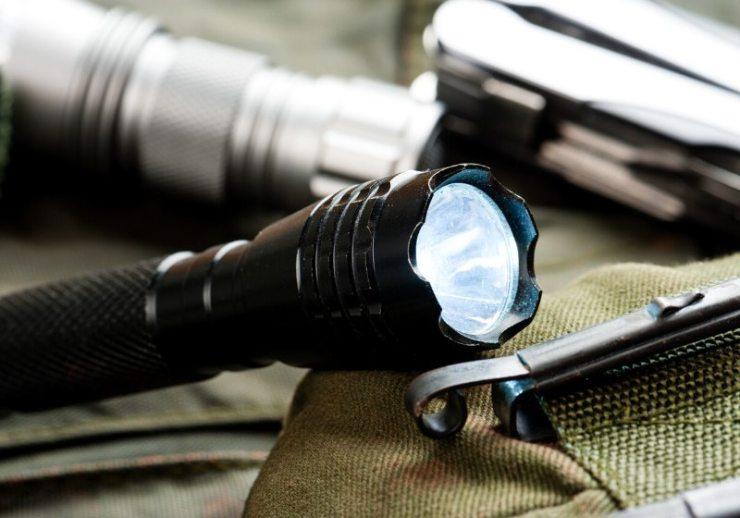 pocket flashlight everyday carry edc | prepper website