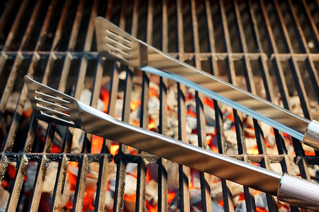 Sturdy Tongs | Grill Tools Every Grill Master Needs To Have