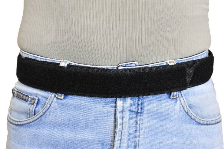 Military-tactical-belt-with-velcro-fastening-system-wearing-on-a-man-battle-belts