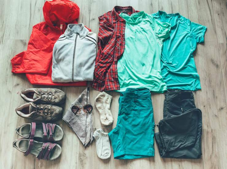 Make an emergency bag checklist for the clothing you need for hiking