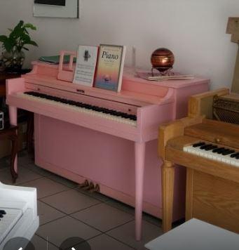 pink piano 2