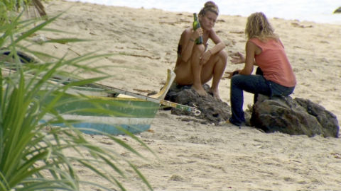 survivor-2012-abi-and-lisa-talk