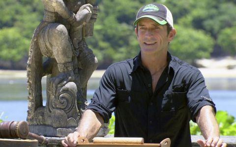 Jeff hosts the Survivor auction