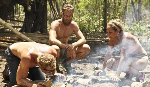 White Collar tribe tries to get their Survivor fire going