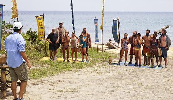 Survivor 2016 castaways prepare for a challenge