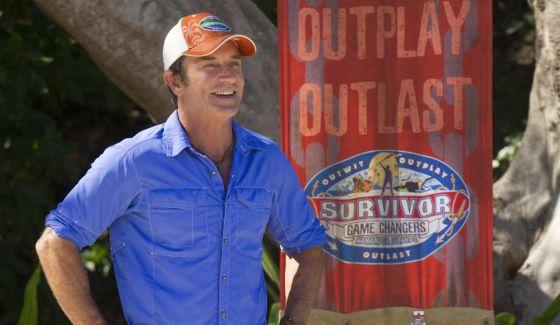 Jeff Probst hosts Survivor 2017 challenge